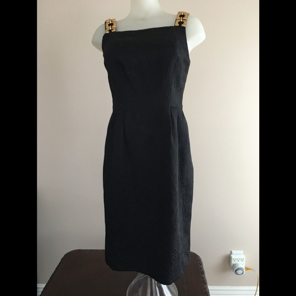Kay Unger Dresses & Skirts - Kay Unger Dress 🌺  gold chain strap size 4